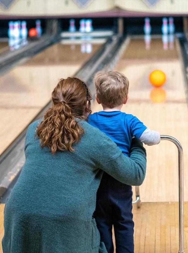 social-house-bowling